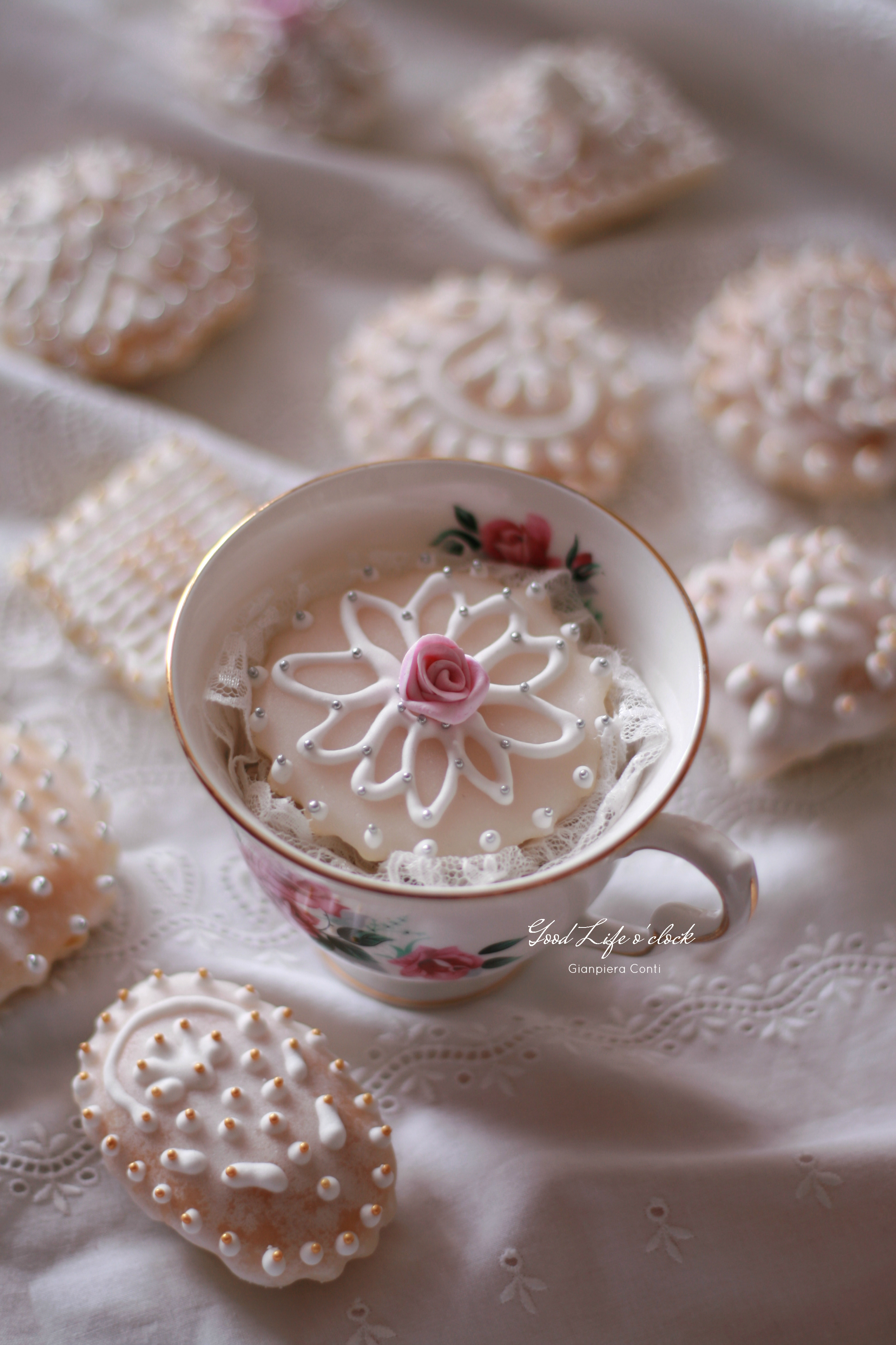 Pastissus Rose in a Cup